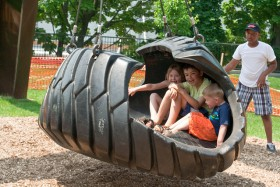 DiSuevero tire swing